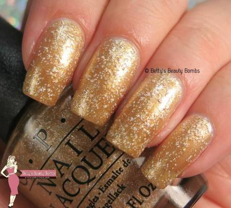 opi-a-mirror-escape-swatch