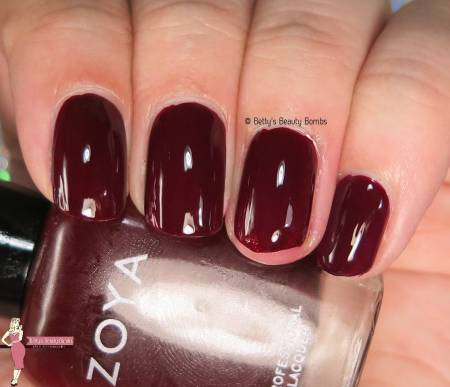 zoya-courtney-swatch