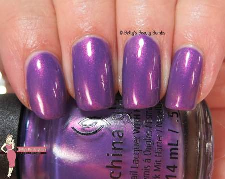 china-glaze-seas-and-greetings-swatch
