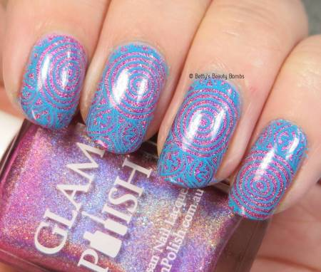 blue-and-pink-holo-nail-art