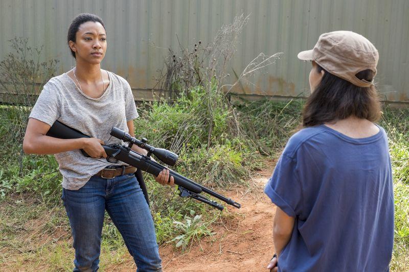 "The Walking Dead season 7, episode 14: ""The Other Side"" - Sasha & Rosita"