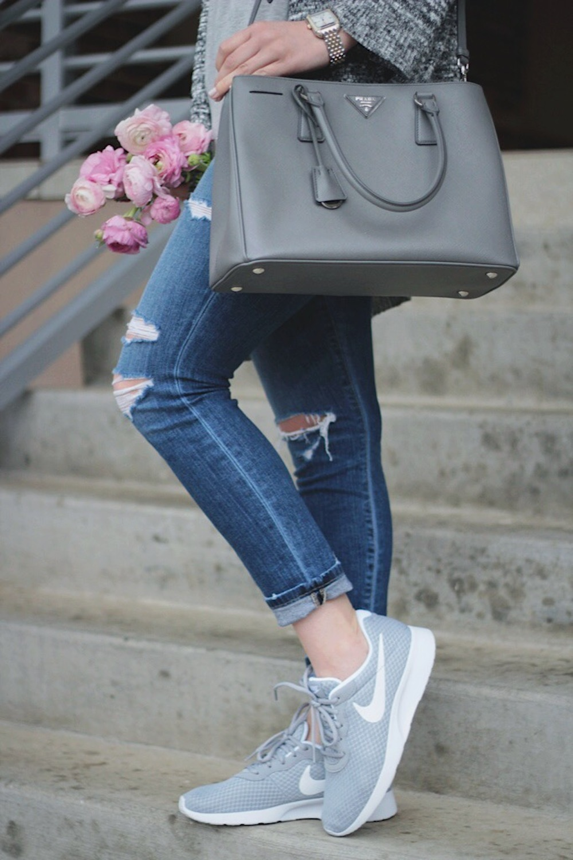 nikes style blogger
