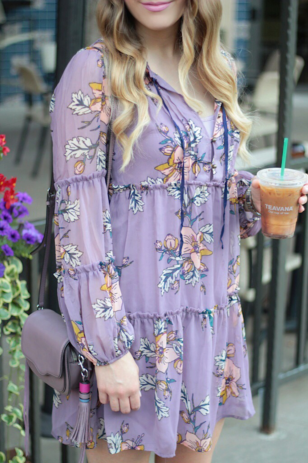 floral dress under 30 fashion blogger