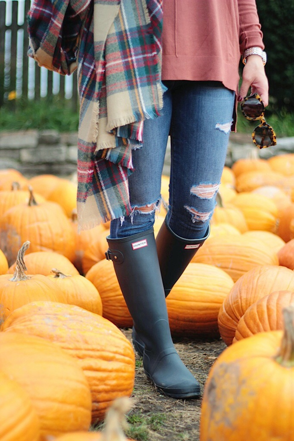 hunter boots plaid scarf rachel puccetti between two coasts