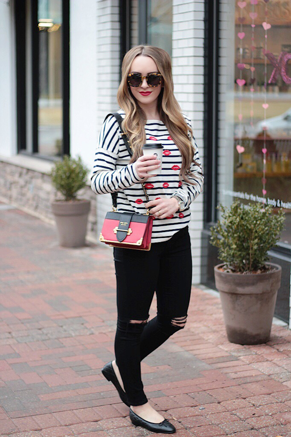 striped tee fashion blogger rachel puccetti between two coasts