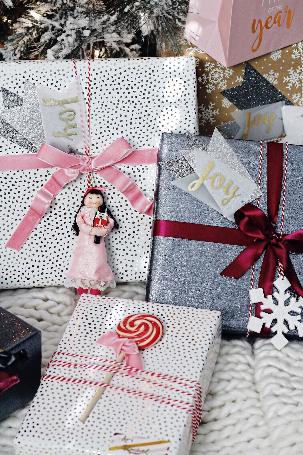 christmas gift wrapping theme rachel puccetti between two coasts
