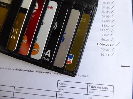 Tips memakai kartu kredit