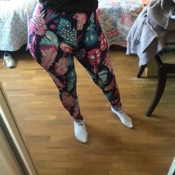 Feathers Printed Legging photo review