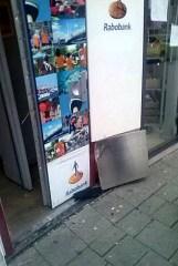 Beschadigde pinautomaat