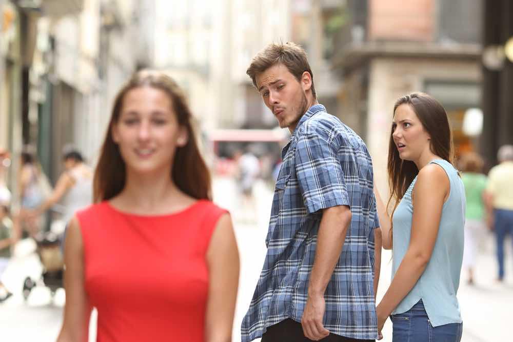 """Ung pige: """"Er jeg jaloux eller bare usikker?"""""""