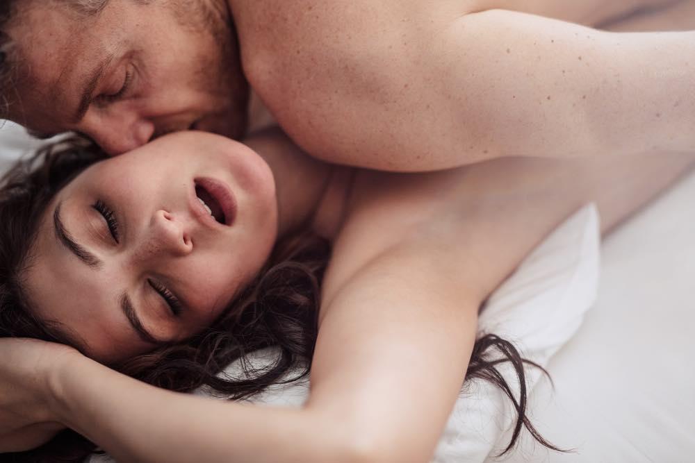 """Kvinde på 41: """"Min mand kan kun komme, når vi snakker om sexfantasier eller ser porno!"""""""
