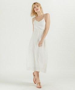 Robe blanche dos nu dentelle anglaise marque Artlove.