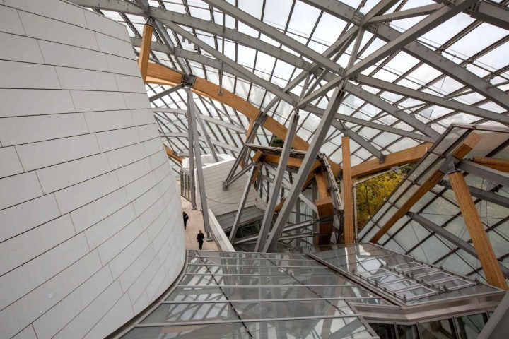 interior-view-of-the-louis-4637-diaporama