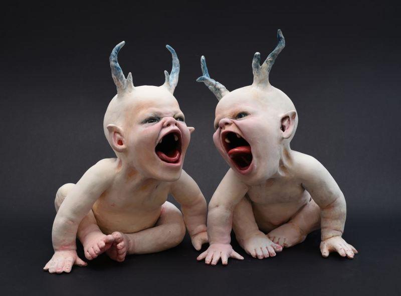 "Les bébés ""observateurs de tombes"" de Ronit Baranga"