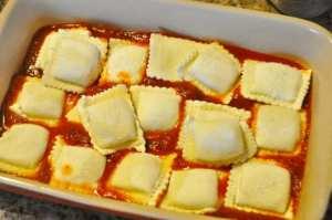 Sauce and raviolis