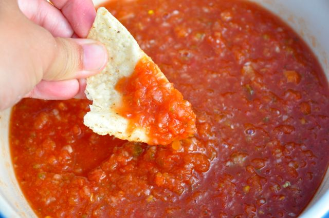 Chili's Restaurant Style Salsa is a quick and easy salsa recipe you can make anytime of the year.