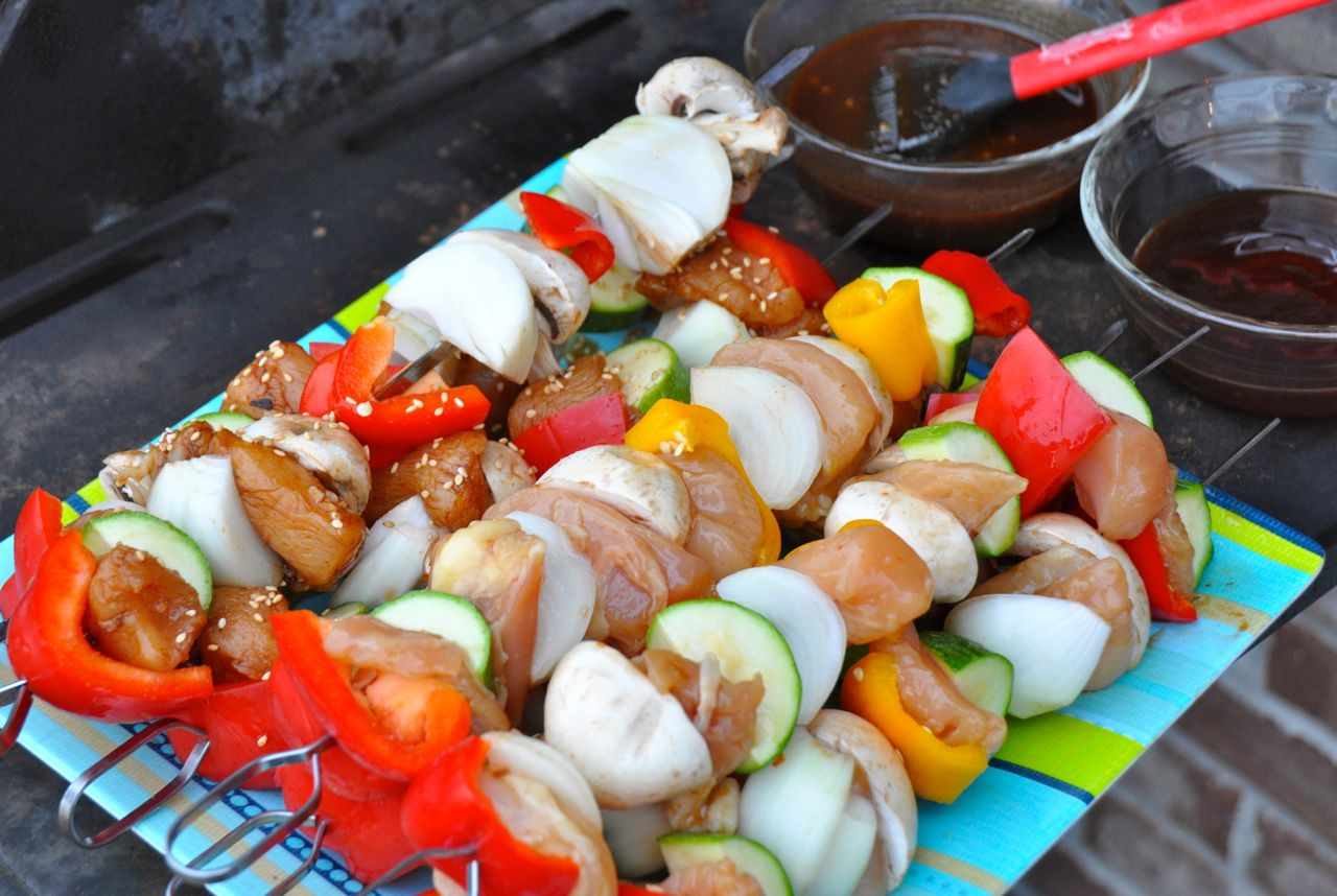 Spicy Asian chicken kabobs are grilled chicken kabobs inspired by the flavors found in some of your favorite Chinese food dishes.