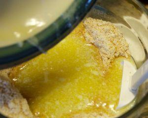 butter and graham cracker mixture