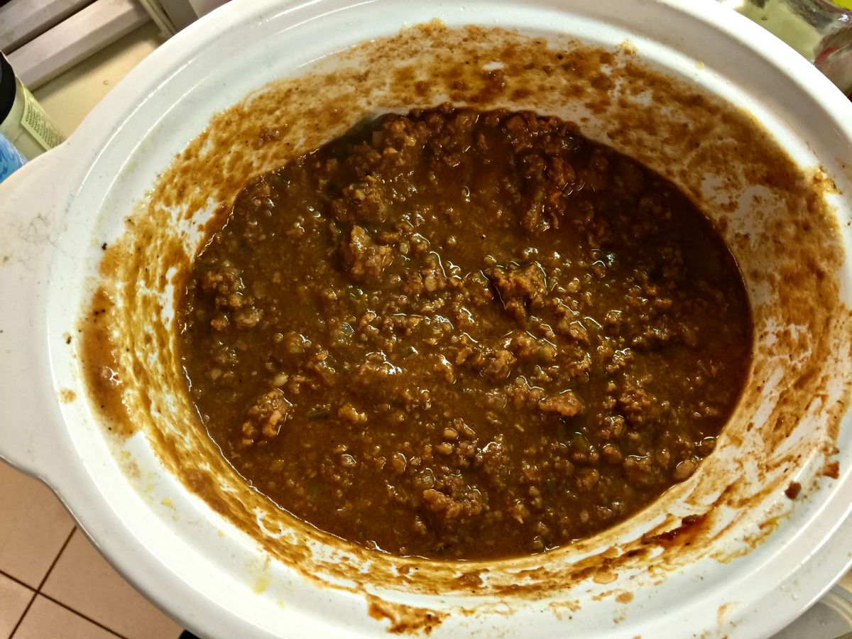 Make this entire recipe of crock pot sloppy joe without dirtying another pan or pot. Simple. Delicious.