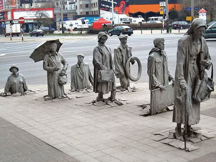 the-monument-of-an-anonymous-passerby-wroclaw-poland-copy