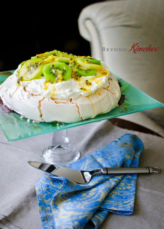 Pavlova with kiwi and passion fruit