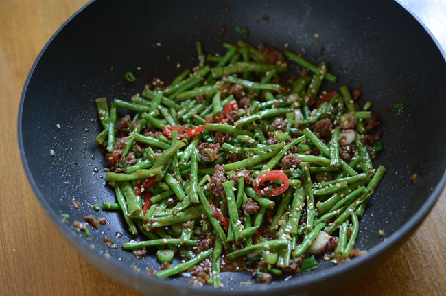 Snake Beans with Beef Sauce