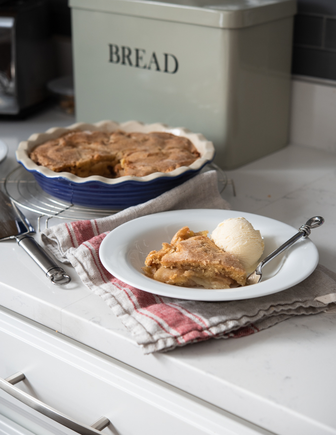 This no crust apple pie is made with cinnamon apple filling and brown butter crust