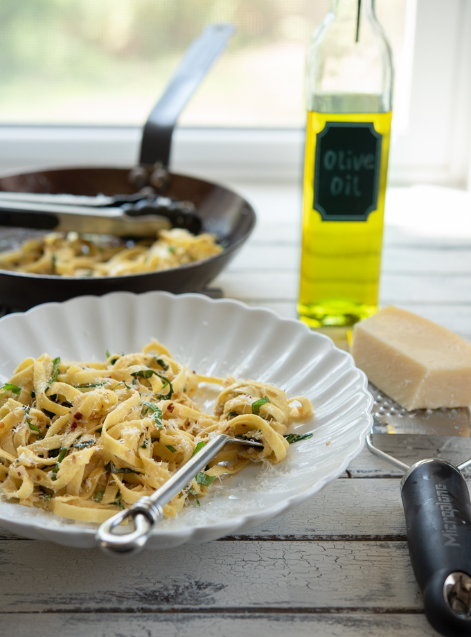 Pasta with Garlic, Anchovy, and Basil