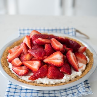 Strawberry Macarpone Cream Pie