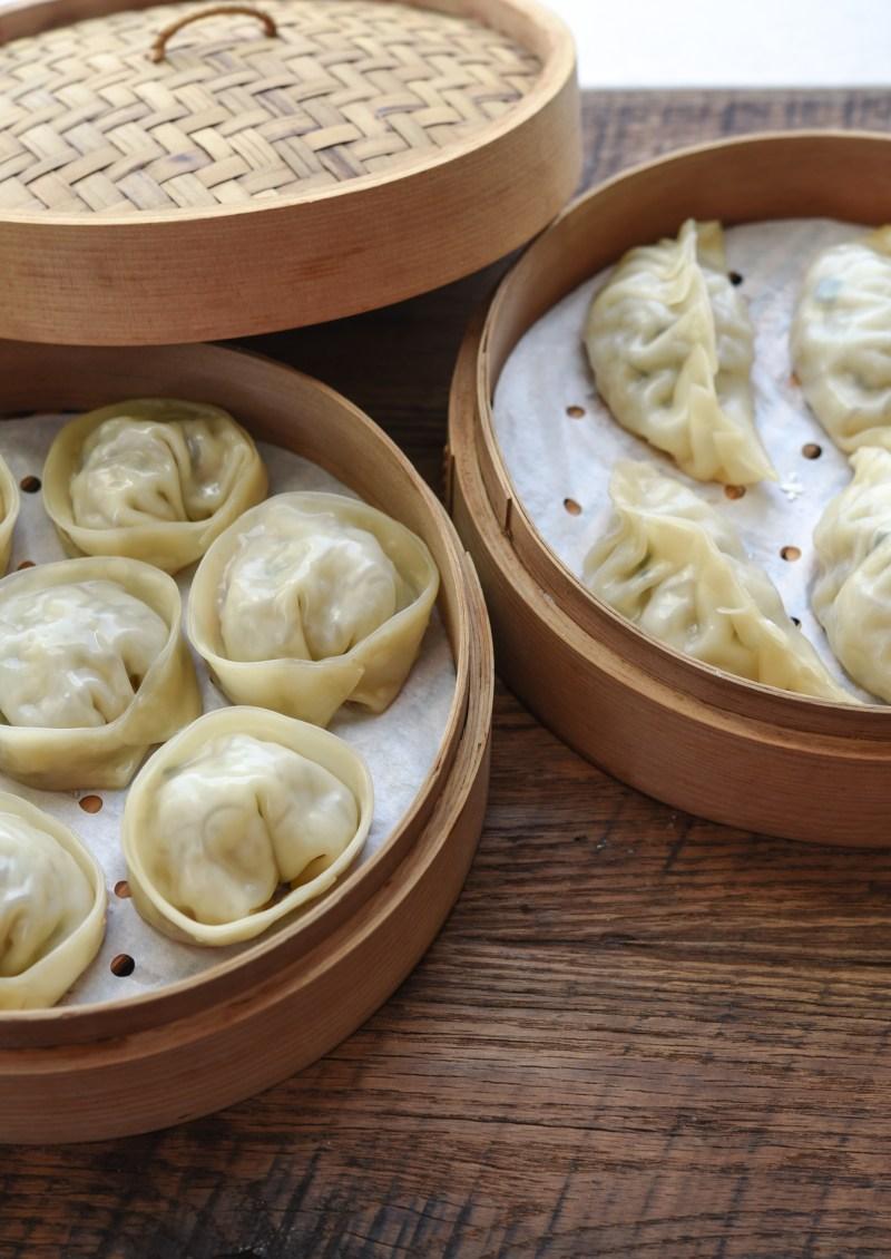 Steaming Korean dumplings in a bamboo steamer brings the best result