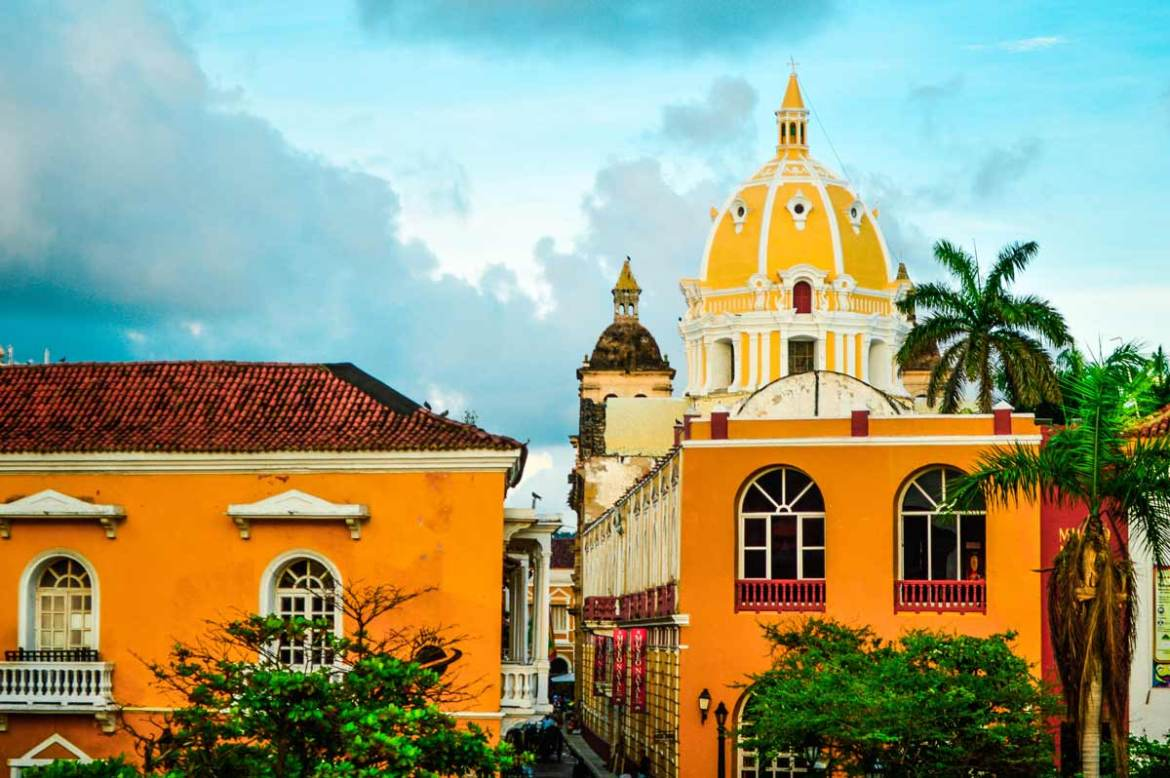 cartagena-and-its-beautiful-colorful-houses