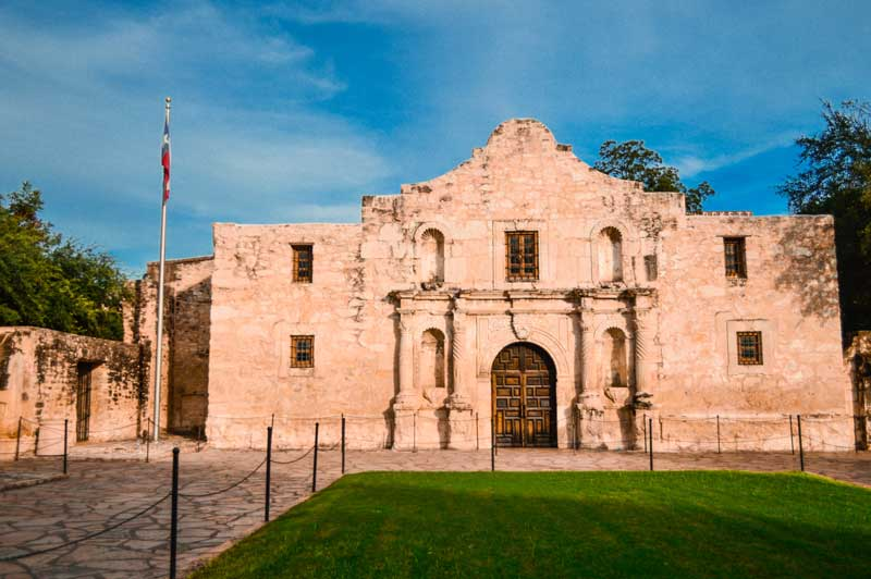 the-alamo-san-antonio-texas