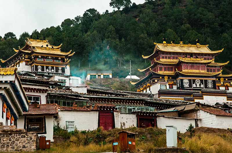 langmusi-must-visit-tibet-plateau