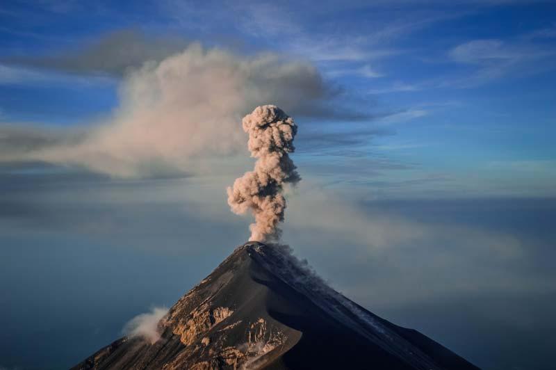 fuego-volcano-morning