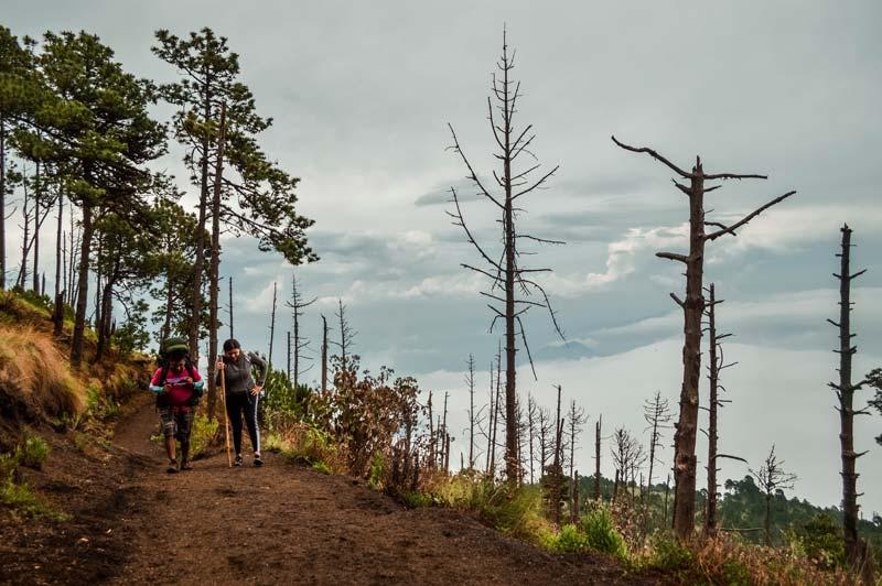 hiking-acatenango-volcano
