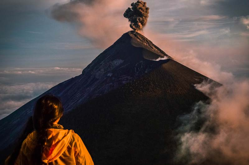 sunset-at-acatenango-volcano