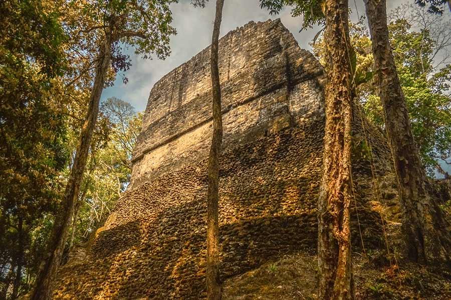 mayan ruins tikal guatemala