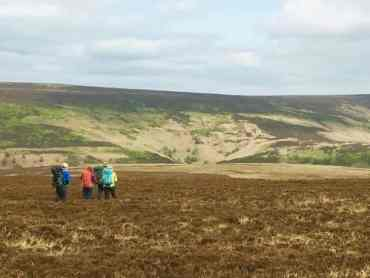 Hill Skills course hillwalking in the Peak District