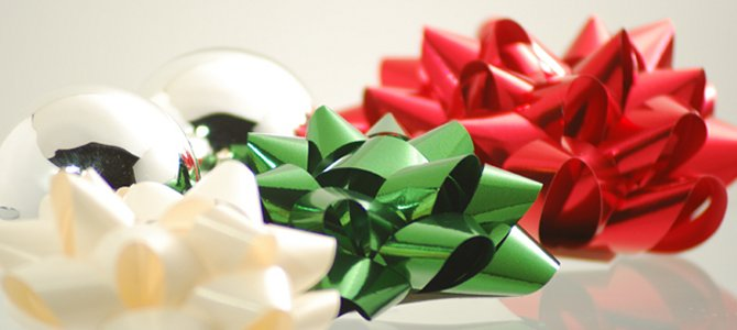 Christmas Bows and Baubles