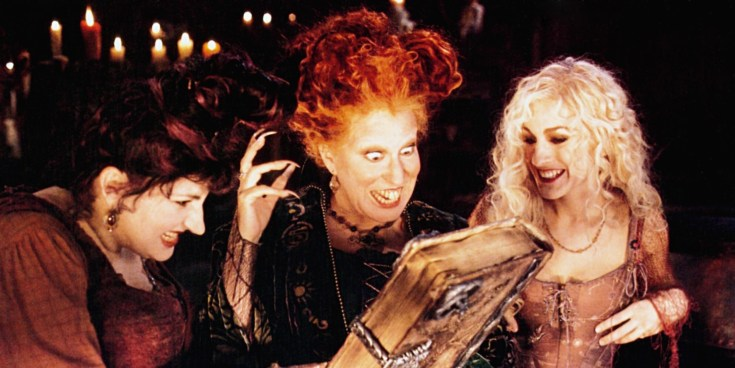 HOCUS POCUS, from left: Kathy Najimy, Bette Midler, Sarah Jessica Parker, 1993, © Buena Vista/courtesy Everett Collection
