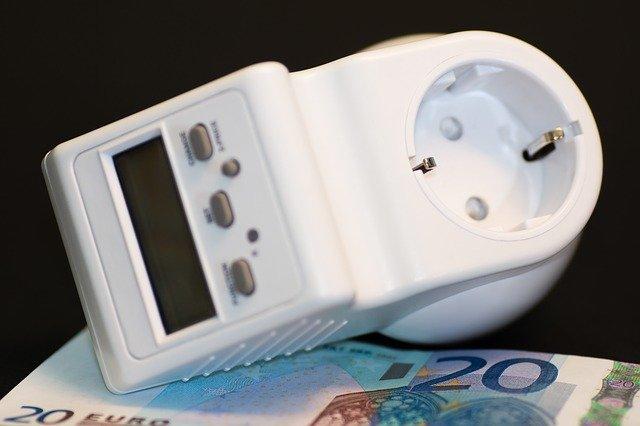 7 Tipps: Strom sparen und Haushaltskasse aufbessern