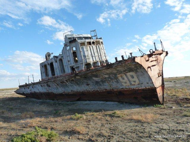 Statek na dnie Morza Aralskiego