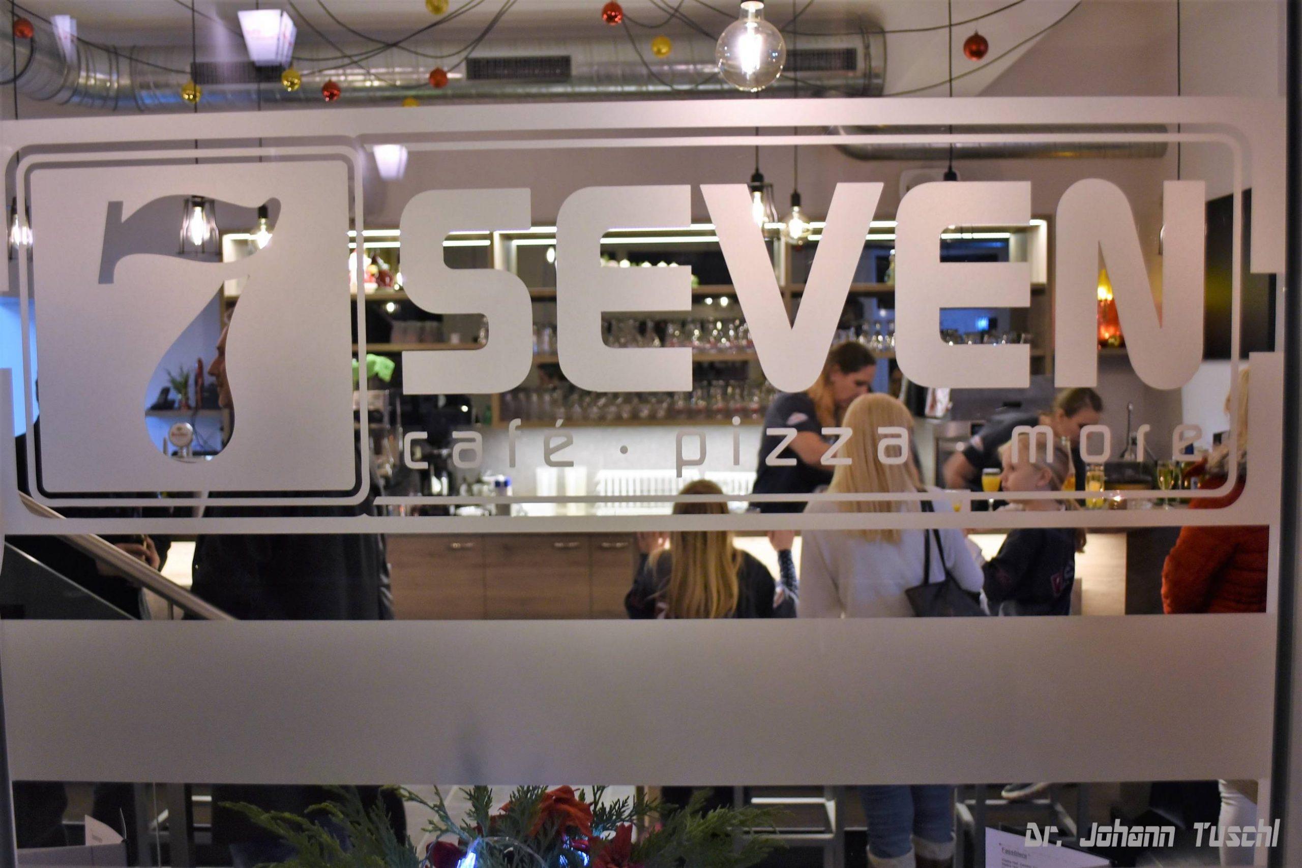 SEVEN Café Pizza and more!
