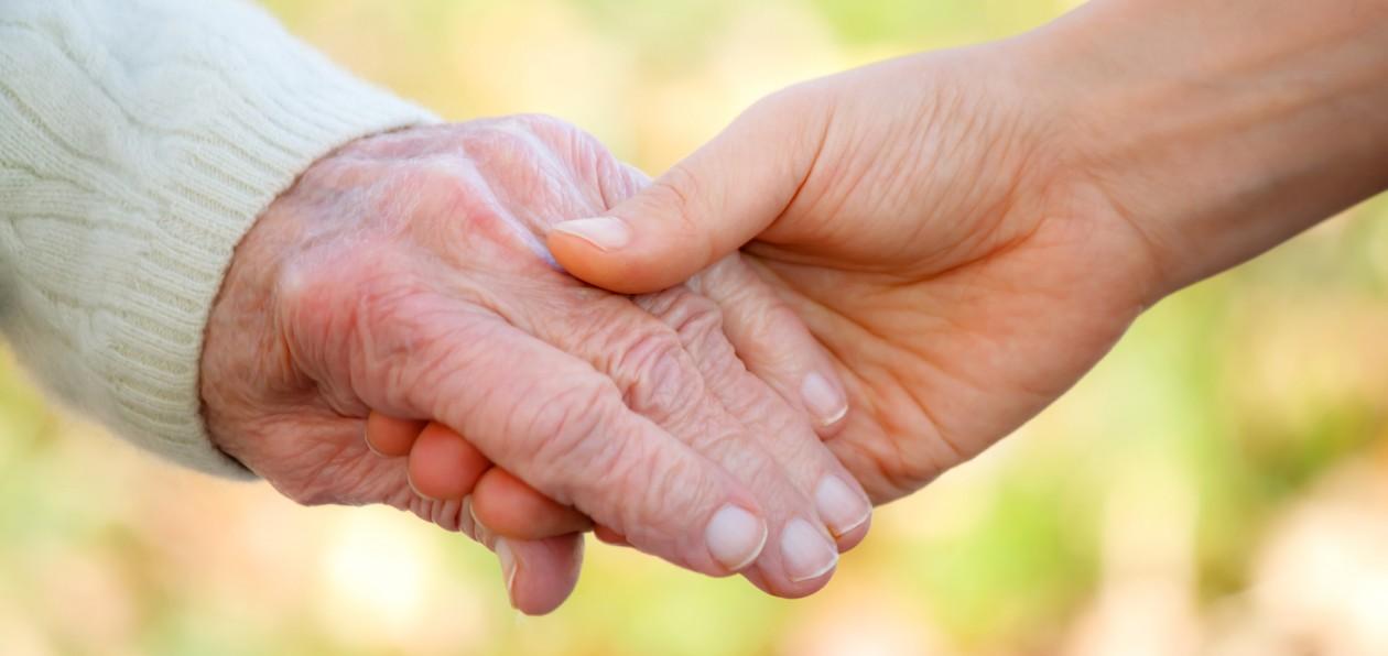 Pflegeaushilfen für Wochenenden – Spitzenvergütung