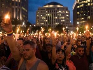 10000 people at Orlando vigil_1465883313426_40218320_ver1.0_640_480