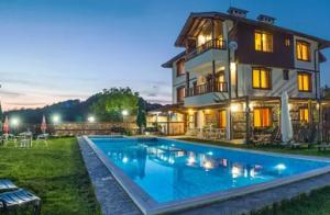 басейна на Славейковата Къща в Смолянско, Родопи