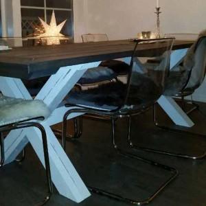 G-Spisebord Mørk Plate hvite ben