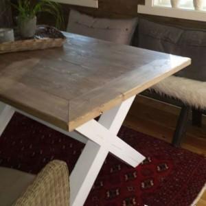 G-Spisebord med innramming hytte 2