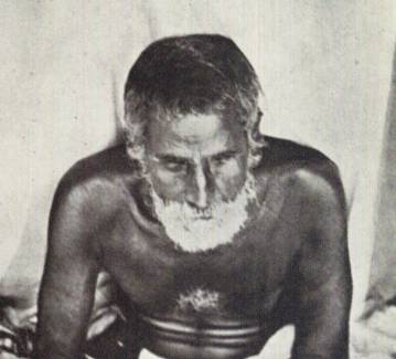 Gaura Kisora renunciou à sua casa e foi para Vrindavana, onde ele foi iniciado por Bhagavata Dasa Babaji, um dos principais discípulos