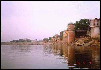 Ganga devi em Jahnudvipa,conhecida como Jahnavi devi, a filha de Jahnu Muni
